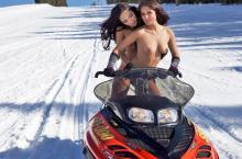 Фото девушка на снегоходе цена продаю